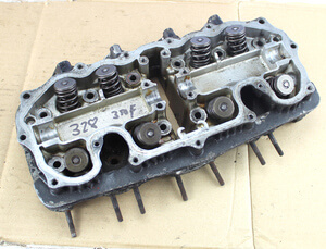 Cylinder Head with valves Honda CB350Four used