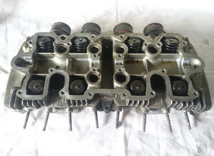 Cylinder head with valves Honda CB650F-C for vacuum carburettor used