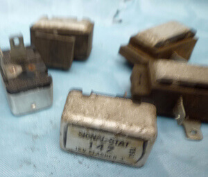 Flasher Relay US version Honda CB350F CB400F CB500F CB550F-K CB750Four K0toK7-F1-F2 used
