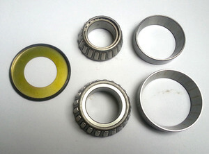 Steering head bearing set CB750F CB900F-F2 CB1100F Boldor GL Goldwing new